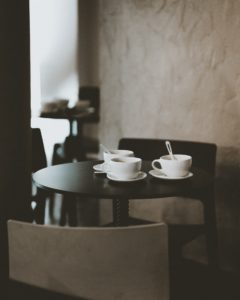 Wall-Paper-blog-accent-wall-behind-coffee-table