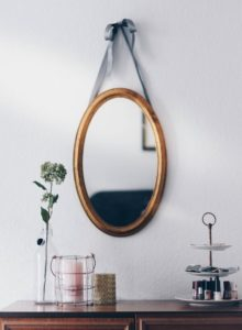 hanging-mirror-decorfo